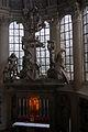 Sculpture de l'autel principal 04527.jpg