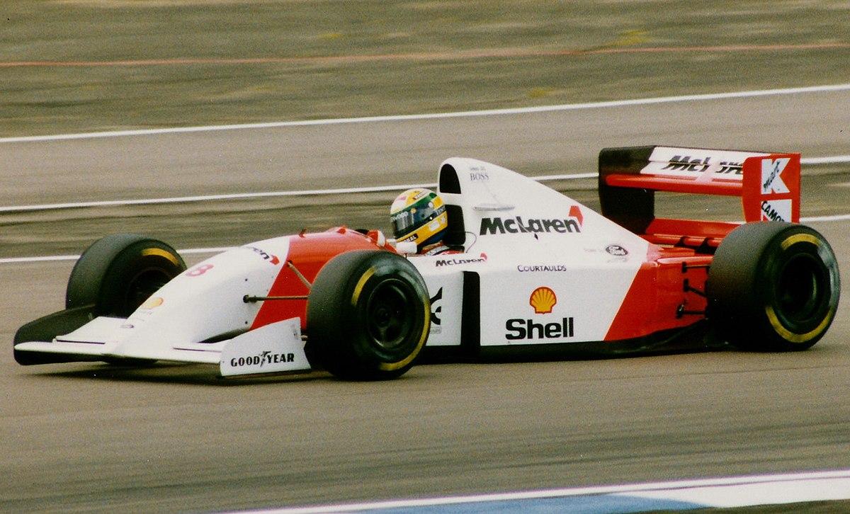 https://upload.wikimedia.org/wikipedia/commons/thumb/5/52/Senna%27s_McLaren_MP4-8.jpg/1200px-Senna%27s_McLaren_MP4-8.jpg