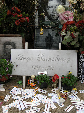 Serge Gainsbourg - Tributes left at the gravesite