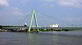 Severinsbrücke 2013-06-11-01.JPG