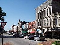 Shops along Fountain Square in Bowling Green, Kentucky 2008.JPG