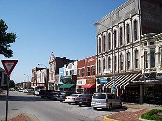Bowling Green metropolitan area, Kentucky - Shops along Fountain Square in Downtown Bowling Green.