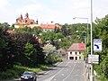 Slaný, kostel Nejsvětější Trojice, z ulice U Brodu.jpg