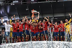 Spain national football team Euro 2012 trophy 01.jpg