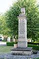 Spalt, Fünfbronn, Kriegerdenkmal vor Evang.-Luth. Pfarrkirche St. Michael, 002.jpg
