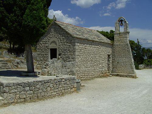 Split, kostelik z 10. stol na Marjanu.jpg