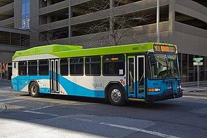 Gillig Corporation - Image: Spokane Transit Gillig Hybrid 8001