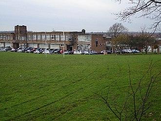 St Thomas More Catholic School, Nuneaton - Image: St Thomas More Roman Catholic Secondary School 7Dec 2005