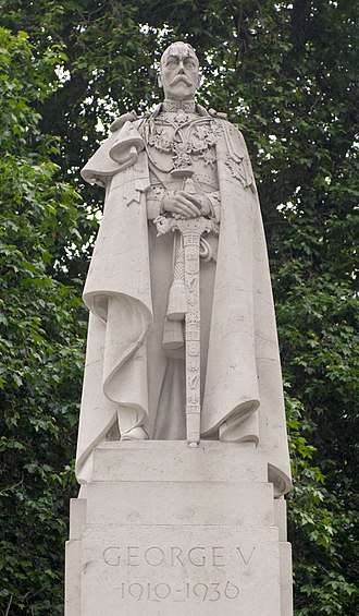 Statue of George V, Westminster - A close up of the statue on top of the plinth
