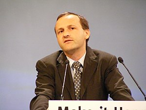 English: Steve Webb MP makes a speech at the L...