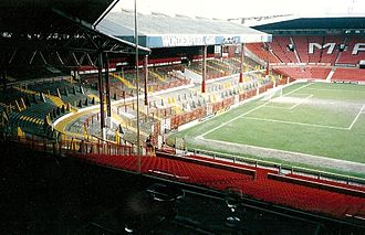 1966 FIFA World Cup - Image: Stretford end 1992