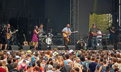 Picture of a band or musician: The Strumbellas