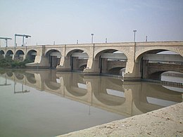 Sukkur Barrage in daylight.jpg