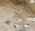 Sulfur and oil plume south of Mosul-2016.jpg