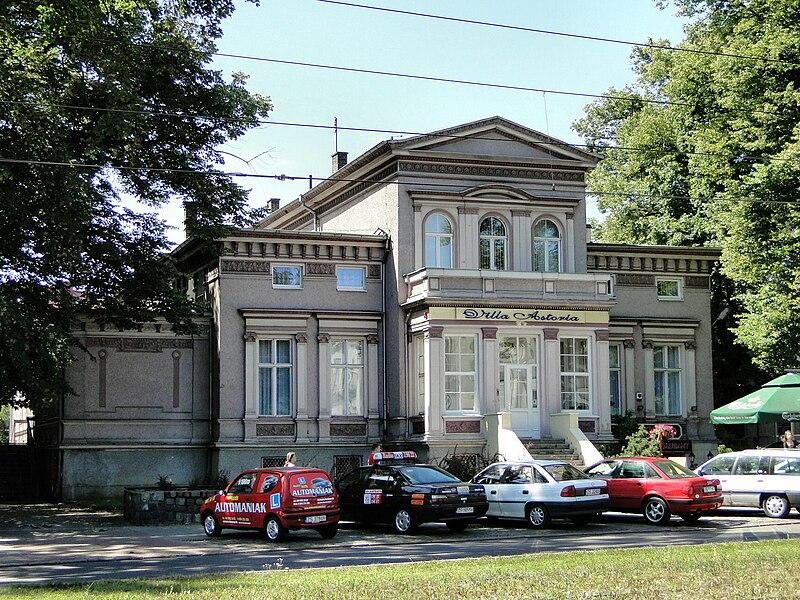 Plik:Szczecin al Wojska Polskiego 66 willa.jpg