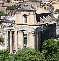 Templo de Antonino y Faustina en el Foro Romano