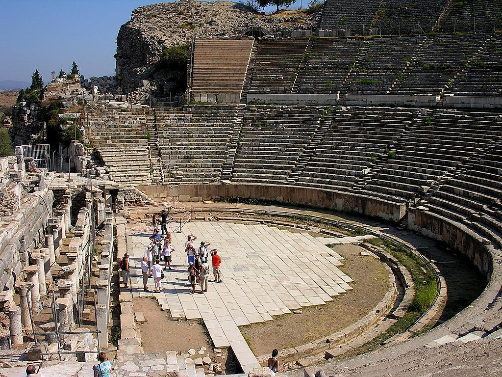 File The Great Theatre In Ephesus Turkey Jpg Wikimedia