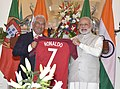 The Prime Minister of Portuguese Republic, Mr. Antonio Costa gifts to the Prime Minister, Shri Narendra Modi, the jersey of Portugal football team personally autographed by Cristiano Ronaldo, at Hyderabad House, in New Delhi.jpg