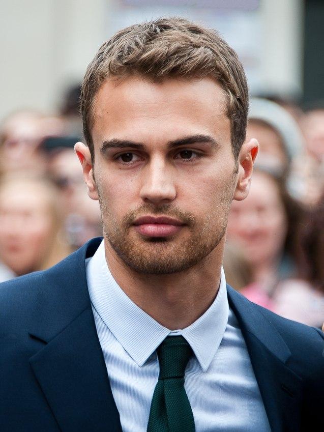 Theo James Divergent premiere