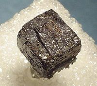 Thorianite-261779.jpg