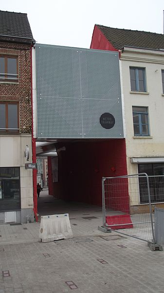 Passage to the new tram terminus in Tourcoing