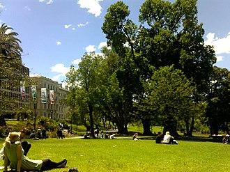 Treasury Gardens - Treasury Gardens is a popular destination for lunch