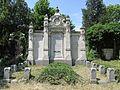 Trebitsch family grave, Vienna, 2016.jpg