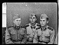 Trei militari de după 1950 (12769834094).jpg