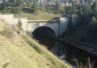 Rove Tunnel - Image: Tunnel du Rove 69