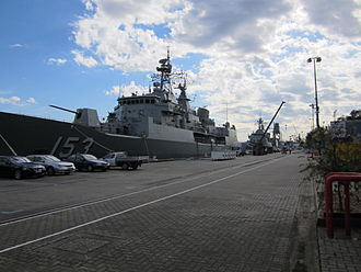 Garden Island (New South Wales) - Two Anzac-class frigates at Garden Island