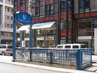 Französische Straße (Berlin U-Bahn) - Entrance to Französische Straße station in the middle of Friedrichstraße