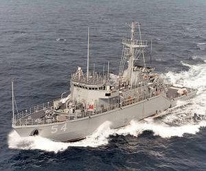 USS Robin (MHC-54)