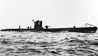Wolfpack (naval tactic) - Image: U 52
