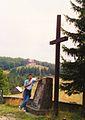 Ubecki pomnik pod Wielką Cisową, w głębi Błotny, 12.7.1994r.jpg