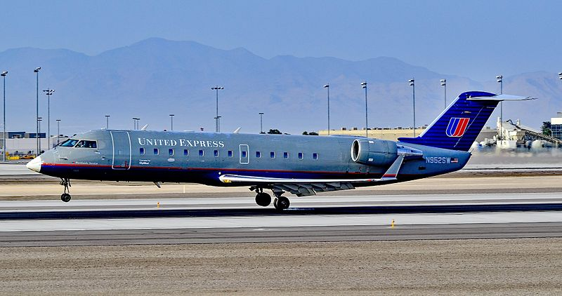 File:United Express (SkyWest Airlines) Canadair CL-600-2B19 Regional Jet CRJ-200LR N952SW (cn 7805) (5549134979).jpg