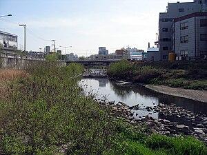 Uiwang - Image: Upstream along the mid width Anyangcheon in Uiwang 2009 04 18