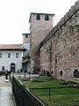 VERONA 050 - Castello Scaligero - Il cortile.JPG