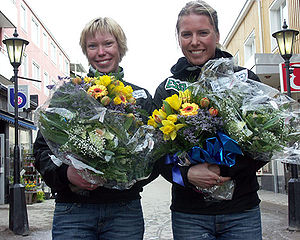Piteå - Lina Andersson (left) and Emelie Öhrstig celebrate in Piteå following the FIS Nordic World Ski Championships 2005.