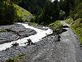 Val d'Uina Unterspülung des Weges 2014.jpg