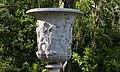 Vase Médicis - copie à Kew Gardens.jpg