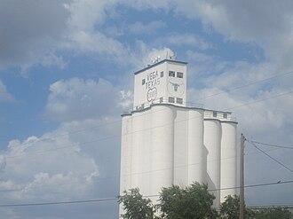 Oldham County, Texas - Image: Vega, TX, grain elevator IMG 4898