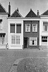foto van Huis waarvan lijstgevel gecombineerd is met buurpand nr 11