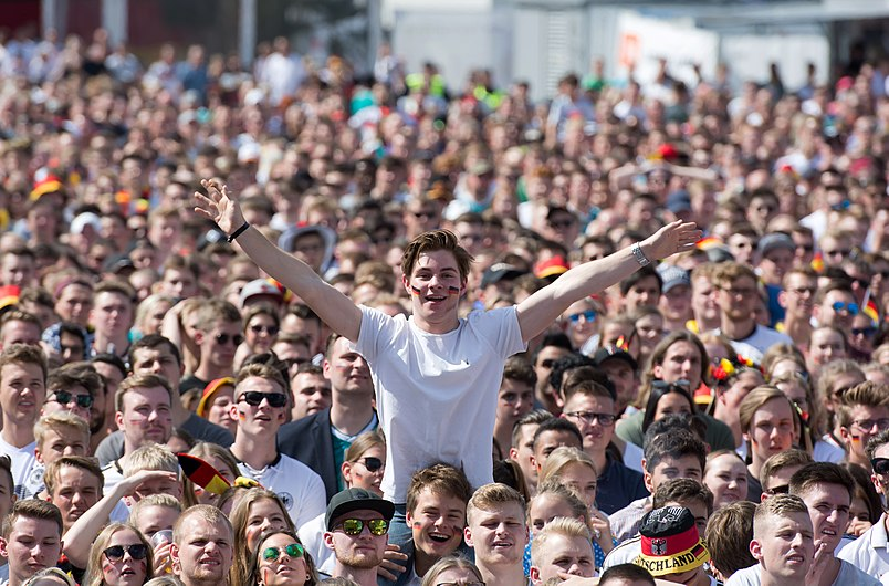 Vorfreude Public Viewing Fußball-Weltmeisterschaft 2018 - Südkorea – Deutschland - Fan Park Hamburg 01.jpg