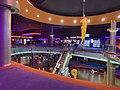 Vue intérieure du cinéma Pathé Carré de soie.jpg