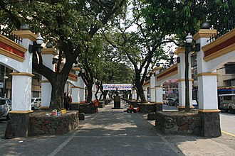 Plaza Moriones - For much of its length, Plaza Moriones is lined by several trees, bounded on both sides by Moriones Street.