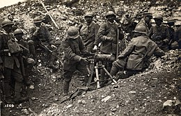 WWI - Seventh Battle of the Isonzo - Italian troops with a captured Austrian machine gun.jpg