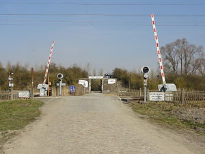 2015 Paris–Roubaix - The level crossing, the day of the 2013 Paris–Roubaix