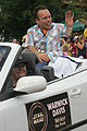 Warwick Davis in car.jpg