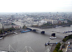 Waterloo Bridge, River Thames, London, England, Nov04.jpg