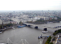 Waterloo Bridge sedd från London Eye.